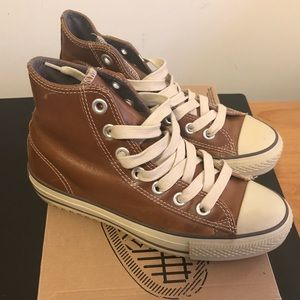 Lthr Converse Men's sz 6 (equiv to Ladies 8)
